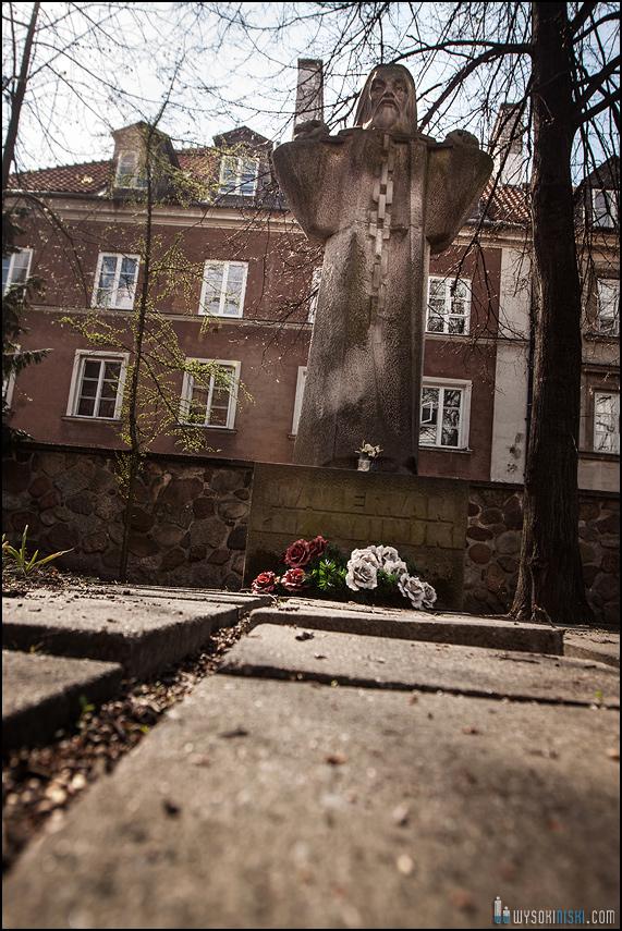 ślub na warszawskiej starówce, kościół przy rynku nowego miasta (13)