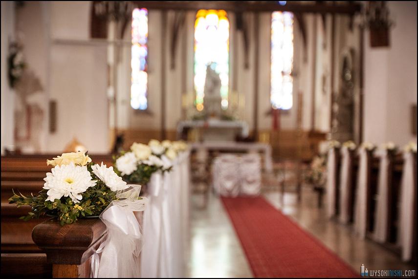 ślub na warszawskiej starówce, kościół przy rynku nowego miasta (9)