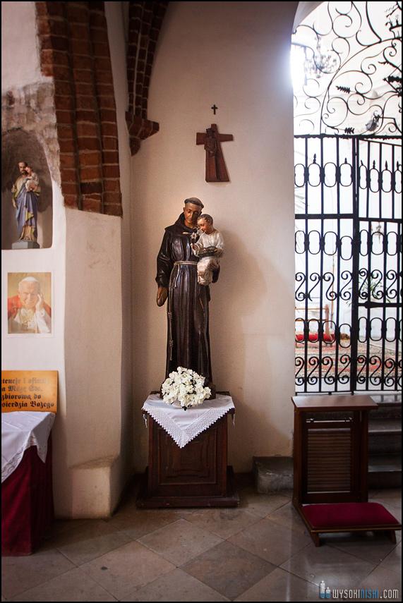 ślub na warszawskiej starówce, kościół przy rynku nowego miasta (3)