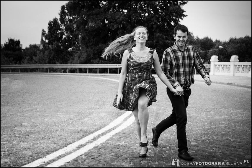 czarno białe fotografie przed ślubne