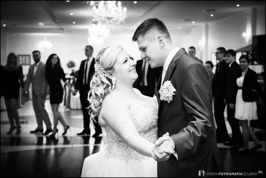 zdjęcia pierwszego tańca z wesela
