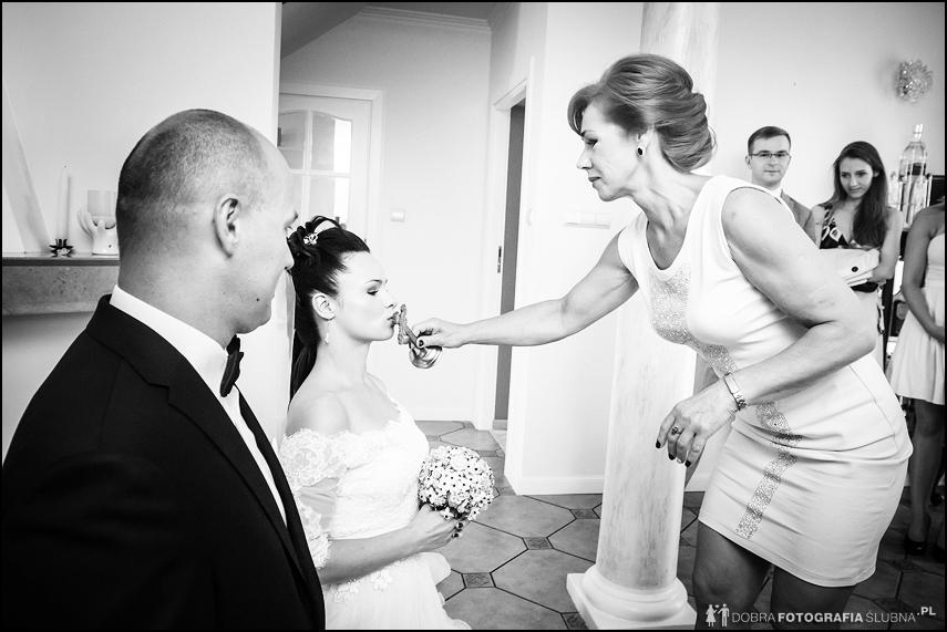 Kilka chwil przed ślubem Elizy i Jana