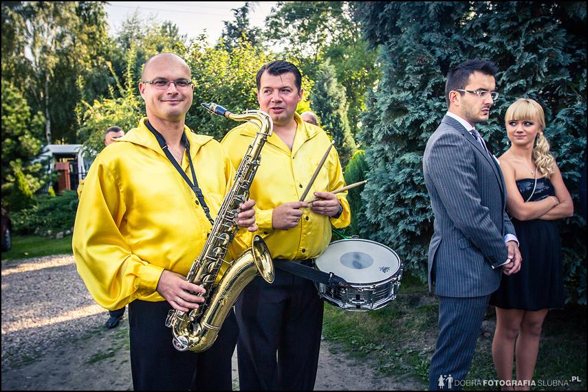 żółci muzykanci