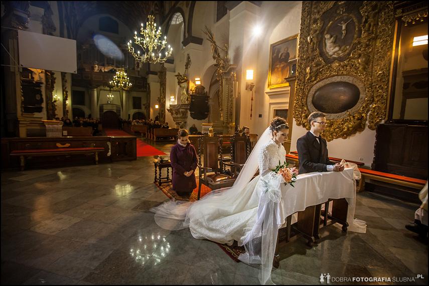 ślub w zabytkowym kościele