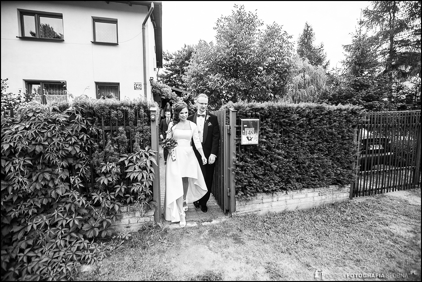 młoda para rusza na ślub