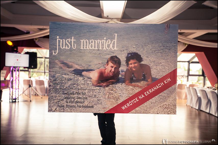 plakat ze zdjęciem młodej pary