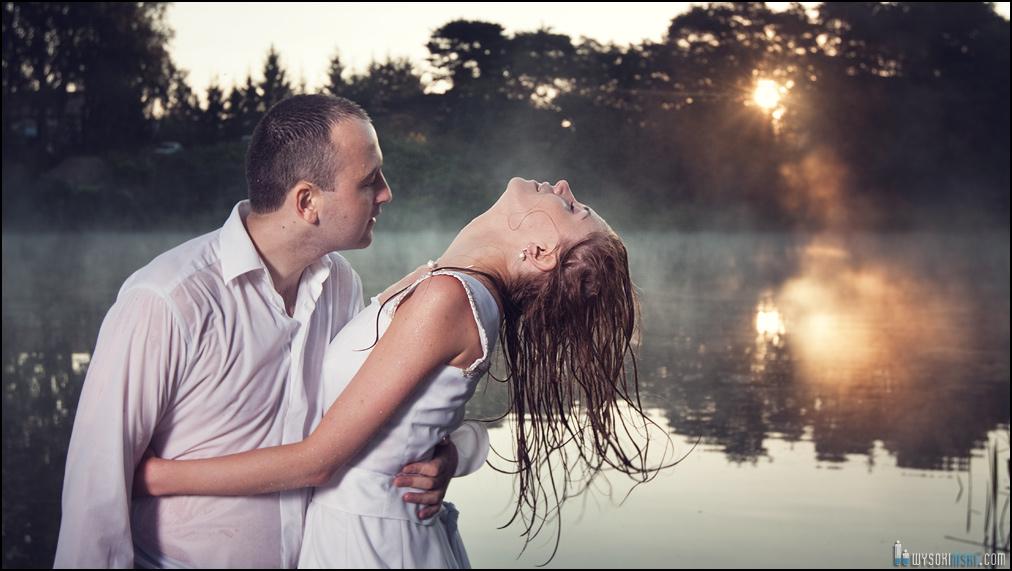 zdjecia ślubne w rzece
