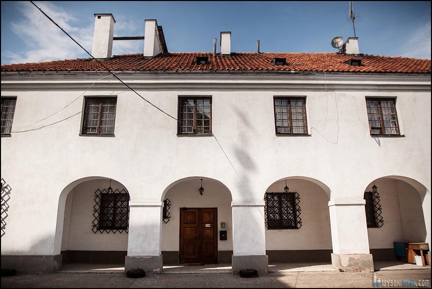 ślub na warszawskiej starówce, kościół przy rynku nowego miasta (15)