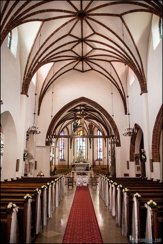 ślub na warszawskiej starówce, kościół przy rynku nowego miasta (10)