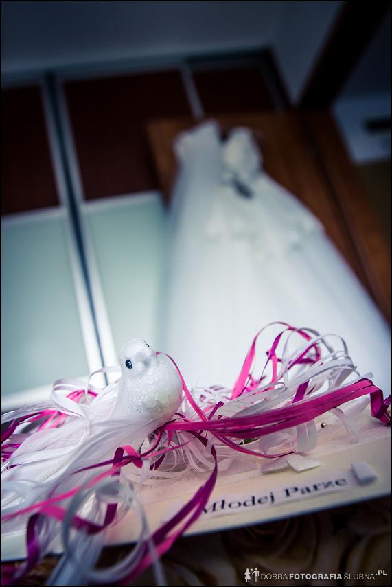 gołąbek- ozdoba na zaproszeniu ślubnym