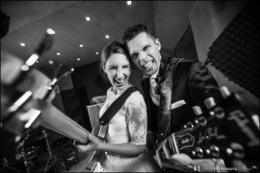 plener ślubny z gitarami