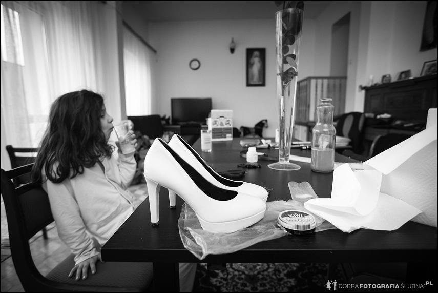 zdjęcia z przygotowań do ślubu jolanty i bartłomieja (8)