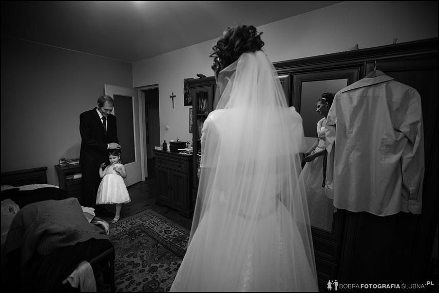 zdjęcia z przygotowań do ślubu jolanty i bartłomieja (15)